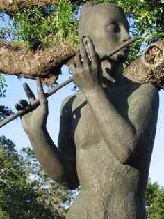 Sculpture by Enrique Alferez, New Orleans City Park Botanical Gardens. By Katie Bowler.