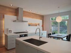 The backlit Concept works quite well to highlight the backwall. Garner - modern - kitchen - austin - by Webber + Studio, Architects All White Kitchen, Kitchen Tops, Kitchen Wall Panels, Floor Design, House Design, Kitchen Lighting Design, Kitchen Views, Contemporary Kitchen Design, Cuisines Design