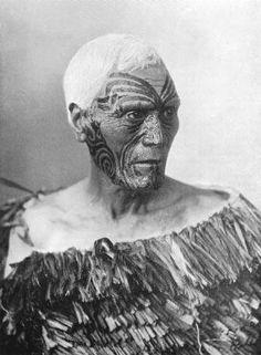 Maori Chief with ta Moko tattoo, photograph by Iles, Auckland, circa 1890 Maori Face Tattoo, Ta Moko Tattoo, Maori Tattoos, Borneo Tattoos, Tattoo Art, Polynesian People, Polynesian Culture, Polynesian Art, Maori People