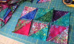 These teardrop faux leather earrings are very easy to make on your Cricut machin… Patch Quilt, Quilt Blocks, Sewing Online, Civil War Quilts, Sewing Material, Scrappy Quilts, Square Quilt, Deco, Art For Kids