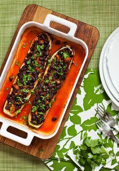 Mustapapukesäkurpitsat Grill Pan, Grilling, Kitchen, Griddle Pan, Cooking, Crickets, Kitchens, Cuisine, Cucina