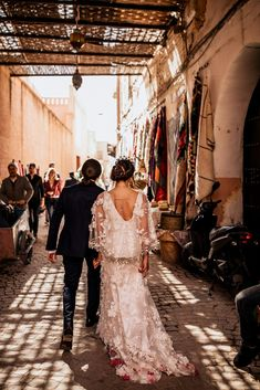 Victoria and Yoni's Colourful & Vibrant Destination Wedding in Marrakech Visit Marrakech, Croquembouche, Moroccan Wedding, Getting Engaged, I Dress, Destination Wedding, Dancer, Vibrant, Victoria