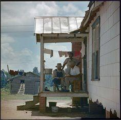 En el porche...     Gordon Parks
