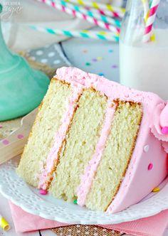 Moist and Fluffy Vanilla Cake! Such a soft, tender cake!: Moist and Fluffy Vanilla Cake! Such a soft, tender cake! Cake Light, Super Torte, Baking Recipes, Dessert Recipes, Keto Recipes, Smooth Cake, Savoury Cake, Cakes And More, Let Them Eat Cake
