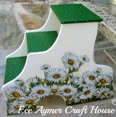 favorite home to visit: ENJOY your week! Tole Painting, Painting On Wood, Painted Chairs, Painted Furniture, Decoupage Chair, Decoupage Ideas, Furniture Projects, Home Furniture, Stool Makeover