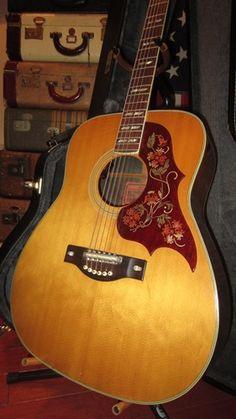 1970 Yamaha FG-300 Hummingbird Version