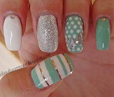 Silver Bow Nails - http://claudiacernean.blogspot.com/2013/03/unghii-cu-fundita-argintie-silver-bow.html