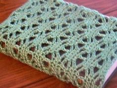 crochet book cover: very basic tutorial