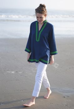 Beach tunic, what to wear on the beach, cute summer items - I love everything about this easy outfit!