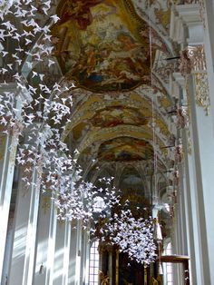 Munich: Origami White Doves at St. Peter's Church | TheNowy