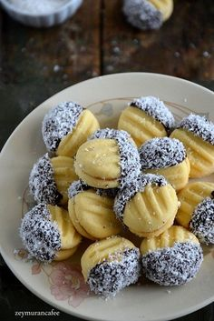 Dessert Recipes, Desserts, Pretzel Bites, Beautiful Cakes, Doughnut, Oatmeal, Muffin, Food And Drink, Yummy Food