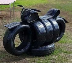 You will love these Tire Garden Art ideas and they're a fantastic way to recycle. Check out all the easy to follow tutorials and tips.