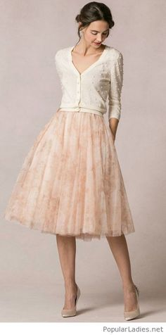Light midi skirt and a nice nude cardi