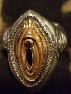 High Detailed Realistic Human Skull Sculpture with Amethyst Crystals, Realistic Skull Miniatures, Gothic Style Resin Art Sterling Silver Rings, Silver Jewelry, Jewelry Rings, Skull Candle, Amber Ring, Ancient Jewelry, Amethyst Crystal, Rings For Men, Rose Gold