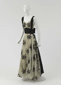 """Evening dress  House of Chanel (French, founded 1913)  Designer: Gabrielle """"Coco"""" Chanel (French, Saumur 1883–1971 Paris) Date: 1937 Culture: French Medium: silk"""