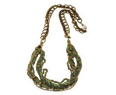 collar cadena y lana 9,99 €  http://imagineaccesorios.com/collares-1/collar-corto-cadena-y-lana.html