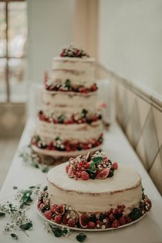 Cake, Wedding, Auvergne, Ceremony Arch, Playing Guitar, Weddings, Catering Business, Dance Floors, Valentines Day Weddings