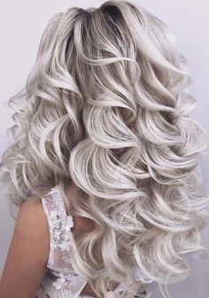 Awesome Wedding Curls You Need to Sport in 2018 Browse this post to see the some of the amazing styles of wedding curly hairstyles for Little Girl Hairstyles, Braided Hairstyles, Wedding Hairstyles, Hairstyles 2018, Hairstyles Games, Female Hairstyles, Hairstyles For School, Black Hairstyles, Cute Hairstyles