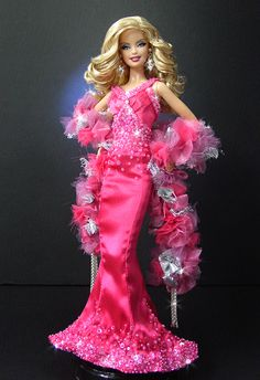 Interpretation of a Collector's Classic - Superstar Barbie - through the eyes of NiniMomo!