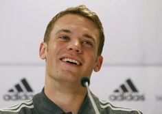 The Prettiest Dentist - Manuel Neuer Fanfic (Chapter [[MORE]] Note: All characters, names, situations are fictitious. MANUEL POV I was coming out from the club and saw one of our reporters of the. Germany Football, German Boys, Beautiful Smile, Soccer Players, Pretty, Scrabble, Munich, Google, Manuel Neuer