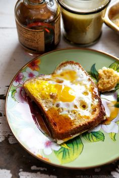 Baked Egg {Toad in the Hole} French Toast - Marla Meridith Savory Breakfast, Breakfast Bake, Breakfast Recipes, Savoury French Toast, French Toast Bake, Bruschetta, Egg Recipes, Cooking Recipes, 365days