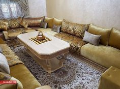 Contemporary Moroccan living room design 2018 – Moroccan living room - Home Page Moroccan Furniture, Moroccan Decor, Moroccan Room, Arabic Decor, Tv Wall Decor, Sofa Set Designs, Box Houses, Floor Seating, Dark Interiors