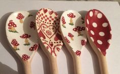 Wooden Spoon Crafts, Wood Spoon, Recycled Crafts, Diy And Crafts, Arts And Crafts, Painted Spoons, Cutlery Art, Decoupage, Altered Boxes
