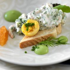 Pentik is an international interior design retailer, who wants to bring northern beauty and cosiness to homes. Skagen, Toast, Salmon Burgers, Starters, Breakfast, Ethnic Recipes, Food, Breakfast Cafe, Salmon Patties