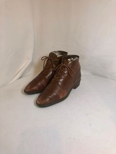 dad61e7fff146 2457 Best Vintage boots images in 2018 | Vintage boots, 1990s, Brow