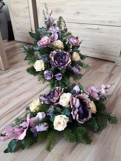 Church Flowers, Funeral Flowers, Black Flowers, Fall Flowers, Funeral Flower Arrangements, Floral Arrangements, Christmas Wreaths, Christmas Decorations, All Saints Day