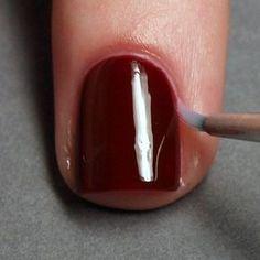 remover manchas de esmalte con un pincel
