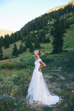 It's adventure time! Woods and mountains seem to be the most adventurous places to have your wedding, and today I'd like to share mountain wedding ideas. The first reason. Perfect Wedding, Dream Wedding, Wedding Day, Wedding Bride, Marry You, Wedding Goals, Wedding Wishes, Girls Dream, Here Comes The Bride