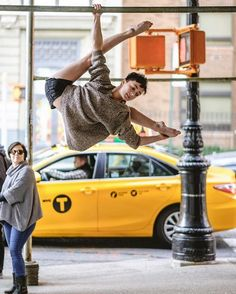 Ballet dancers on the streets of New York!