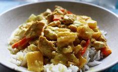 Maailman parhaaksi kanakastikkeeksi nimetty helppo resepti on Kotikokin luetuin broileriohje. Reseptissä hyödynnetään suomalaisten kestosuosikkia, hunajamarinoituja broilerinsuikaleita, mutta kastikkeen voi tehdä myös marinoimattomasta lihasta. I Love Food, Good Food, Yummy Food, Pasta Recipes, Chicken Recipes, Kids Meals, Easy Meals, Quorn, Food Inspiration
