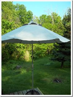 An umbrella made from a drop cloth. Put it on an old stand! - Patio Umbrellas - Ideas of Patio Umbrellas - An umbrella made from a drop cloth. Put it on an old stand! Patio Umbrella Lights, Patio Umbrella Covers, Outdoor Patio Umbrellas, Outdoor Umbrella, Canopy Outdoor, Outdoor Rooms, Outdoor Gardens, Outdoor Living, Outdoor Decor