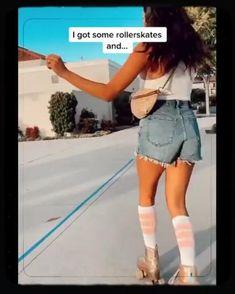 Retro Roller Skates, Quad Roller Skates, Roller Derby, Disco Roller Skating, Roller Disco, Rolling Girl, Skateboard Videos, Skate Girl, Skate Style