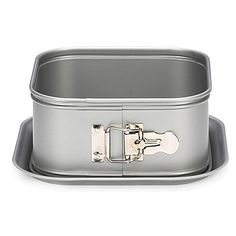 Designed for the frequent baker, this Patisse Silver-Top Nonstick Bakeware is perfect for making everything from muffins to cheese cakes. The ECCS steel contains a chrome layer and nonstick coating to provide excellent heat transfer for even baking.