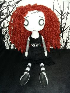 Muñeca de trapo de arte Zombie gótico ámbar por ChamberOfDolls