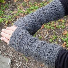 These pretty wristwarmers are the perfect accessory during the changing seasons. FREE crochet pattern ...  #crochet #fiber