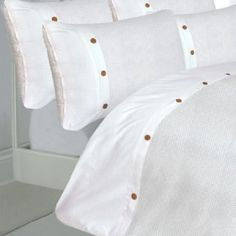 Part of the waffle duvet cover range, this duvet comes in a range of colours and a great design. In 100% Egyptian Cotton. In a All White colour.
