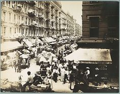 [Copy Photograph of Early 1900s New York City Street Scene]. Unknown (American). 1930s. The Metropolitan Museum of Art, New York. Walker Evans Archive, 1994 (1994.263.178)