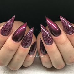 Happy monday black cherry (gelpolish) & loose glitter #naglar #nagelkär #nagelteknolog #naglarstockholm #nagelförlängning #uvgele #gele #gelenaglar #gelnails #nails #nailart #nailswag #lillynails #nailfashion #nailpassion #nailobession #nailextensions #dopenails #blingnails #passion #love #kimmienails #hudabeauty #notd