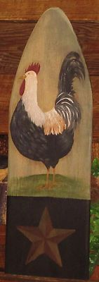 Folkart Rooster Painted Ironing Board, Old Ironing Boards, Painted Boards, Primitive Painting, Chicken Painting, Chicken Crafts, Tole Painting Patterns, Rooster Decor, Cute Paintings
