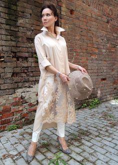 Купить Платье-рубашка из гипюра и шелка бежевая - блузка из кружева, летняя блузка, шелковая блузка