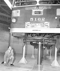 PHOTO - CHICAGO - CTA NEW FOREST GLEN BUS TERMINAL - ELSTON AND ARMSTRONG - 1955