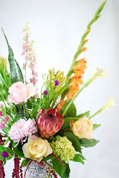 Not sure what flowers to order? Select our \'Designer\'s Choice\' option, and we\'ll whip up something stunning!  Order online today! #easyas123 #designerschoice