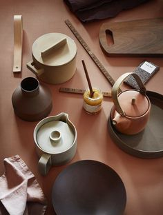Terracotta Color Trends 2019 and how to use it - TrendBook Trend Forecasting Terracotta, Color Of The Year 2017, Earth Color, Ceramic Tableware, Prop Styling, Co Working, Vintage Design, Color Stories, Trendy Colors