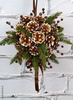 DIY Kissing Ball with Pine Cones - Crafts Unleashed christmas ideas using pinecones Pine Cone Crafts, Christmas Projects, Holiday Crafts, Holiday Ideas, Fun Crafts, Holiday Decor, Noel Christmas, Rustic Christmas, Christmas Ornaments