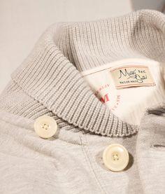 Fleece collar.