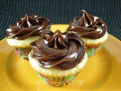mini vanilla bean yellow cupcakes with creamy choc frosting--Bobby Flay recipe